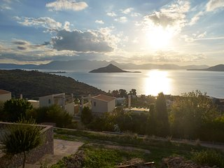 15% JULY DISCOUNT - Villa Petra Luxurious with an amazing view to the sea