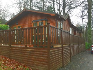 41 Skiptory Howe - 3 bed lodge (sleeps 6), Lake Windermere (indoor pool)