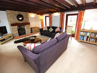 Superb Rural Barn Conversion with Acres of Garden 2 Miles from Dartmouth
