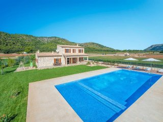 Spacious Villa with Private Pool in Rural Setting