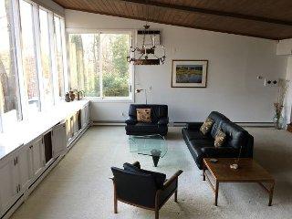 Bethesda Mid-Century Modern - 3BR 2BA Home