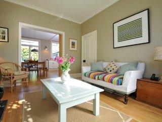 Charming family home in Leafy Brackenbury Village