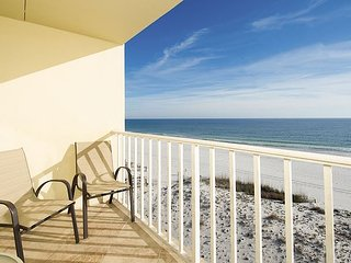 Stunning Oceanfront Views! Lovely 3BR Condo w/ Pool & Private Beach Access