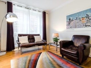 Spacious 2 Bed 2 mins from Bayswater Tube Station