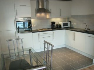 Great 2 Bedroom City Centre Apartment in the Heart of the City
