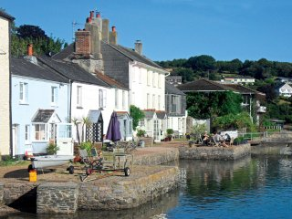 Large Riverside Holiday Cottage in Picturesque Devon Village