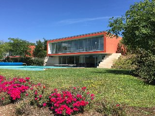 Stunning 4 bedroom detached villa overlooking lake - Bom Sucesso