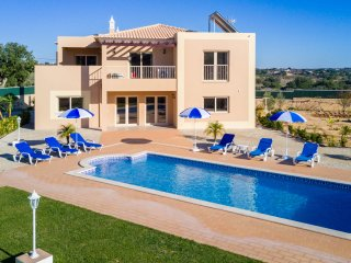 UP TO 30% OFF! ILHA Modern villa w/ heatable pool, garden on walled plot,AC,WiFi