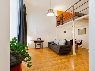 Kis Aldebaran: a Jewel in the Center of Budapest!!!