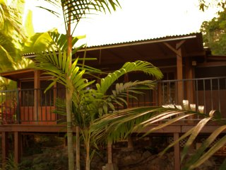 GARDEN TEMPLE - NEW! - A CHARMING COTTAGE: A serene, tranquil and private.