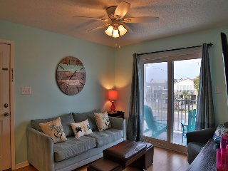 HOT Deal Sunchase 111 ~ Bright, Steps to the beach ~ Gulf Side ~ FREE Wifi hoste