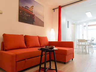 Modern 1bdr 70sqmt a short walk from EU district