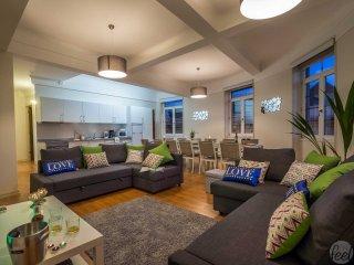 Feel Porto Downtown Luxury Retreat
