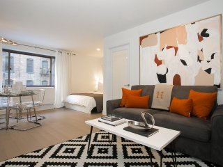 Modern All renovated Studio - Time Sq- Doorman and Gym