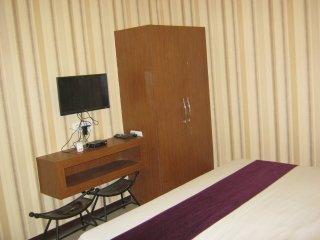Golden Bird Holiday Inn Stay