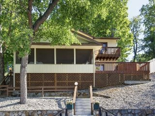 Hillcrest - Ideal Family Retreat with Great Water Views. 39 MM Osage Arm (Brush