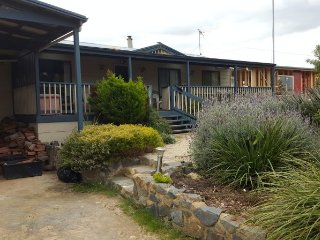 Clayton Bay Cottage with Views all the way to Goolwa