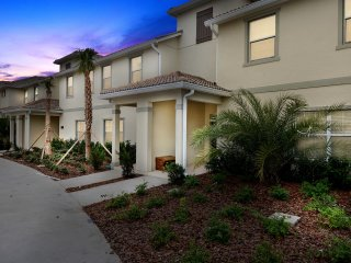 Four Bedrooms w/ Pool Townhome 4841
