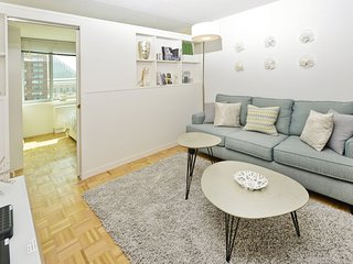 High-end 2 Bed 1.5 Bath with 24hr Doorman, gym, etc. Minutes from Central Park.