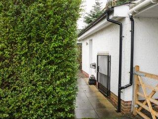 TROLOSS LODGE, breakfast bar, open plan, hillside views, in Thornhill, Ref