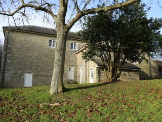 THE RETREAT, on grounds of Appuldurcombe House, WiFi, woodland surrounding, Ref