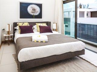 Ladih - Luxury Penthouse (Price negotiable)