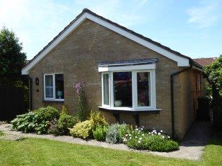GOLDINGS, ground floor, woodburner, ideal location, in Wells, Ref 952265