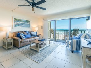 Amazing Direct Oceanfront View - Next to Pier - Penthouse