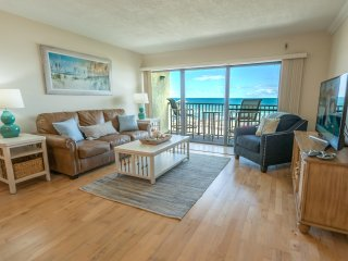 Penthouse - Next to Pier - Amazing Oceanfront Views