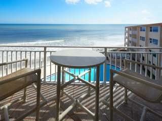 Penthouse - Direct Oceanfront - Fully Renovated