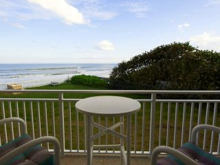Direct Oceanfront - Beautifully updated - Excellent Ocean Views