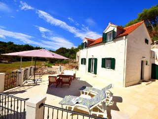 3 bedroom Villa in Povlja, Splitsko-Dalmatinska Zupanija, Croatia : ref 5508718