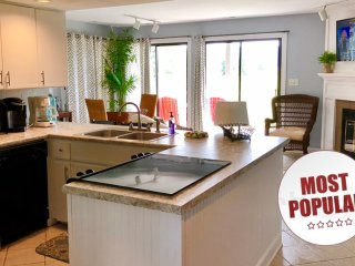 ⭐️BOOKBERNARDS LANDING RESORT'S #1 VACATION RENTAL⭐️PACKED FULL OF AMENITIES⭐️⭐️