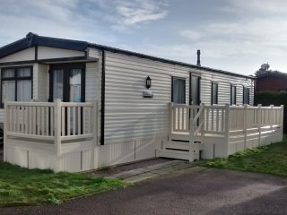 Excellent modern comfortable property situated at Overstone Lakes, Sywell