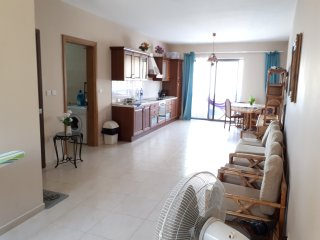 Modern apartment very spacious, Qawra top location,near seafront and bus station