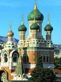 la cathédrale russe rénovée récemment