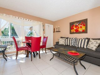 Upscale Floranada 1BR w/ Pool - Steps to Ocean, Walk to Eateries & Parks