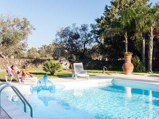 Villa mare e cavalli avente piscina privata m140