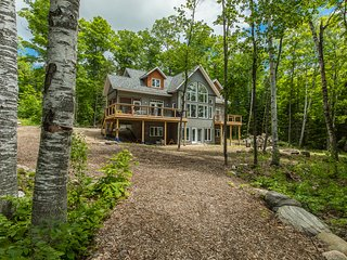 Driftwood Shores on Percy Lake Newly built 5 bed Cottage on the edge of Algonqui