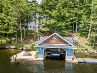 Life in Balance~Fabulous Lake Rosseau 5 bed cottage