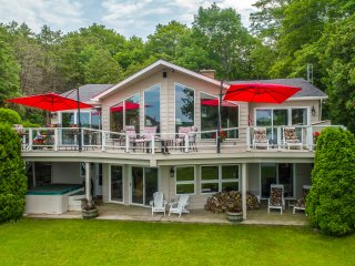 Simply Simcoe! a fabulous Carthew Bay lakefront home