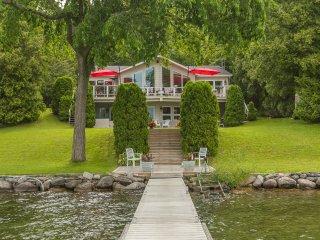 Simply Simcoe~A fabulous Carthew Bay lakefront home
