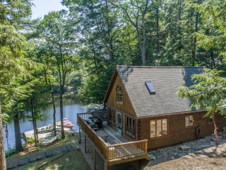 Spring Water Bay ~ Private & serene 4 bedroom cottage w 1 bedroom bunkie on Lake