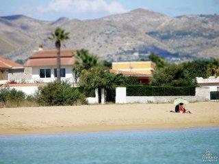 Calabernardo Villa Sleeps 6 with Air Con and WiFi - 5312342
