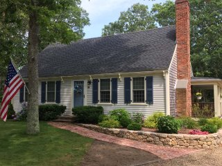 AROLK - Classic Cape Style Home, New to Market for 2018, 3 + Bedroom  Sleeps 6.
