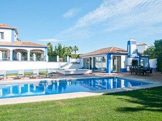 5 bedroom Villa in Olhos de Água, Faro, Portugal : ref 5238943