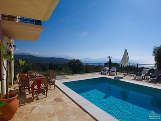Tzamarellata Villa Sleeps 6 with Pool and Air Con - 5228158