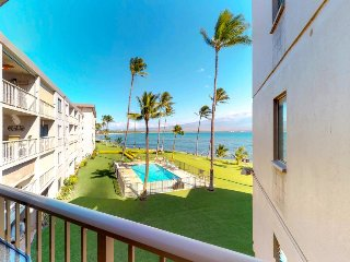 Oceanfront condo w/ shared pool & balcony - walk to dining, activities and more!