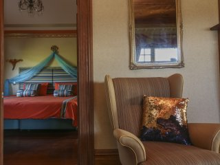 Boutique Farmstay (Golden Light Retreat Centre) - Topaz Guest Room