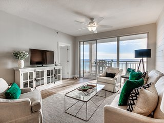 GULF FRONT~Fully Renovated~Luxury~ Pool~Spa~Walk to Rosemary/Alys Beach